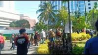 Ratusan Orang Bersenjata Tajam Rusak Kampus UMI, Sekretariat UKM Dibakar