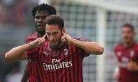 Ketimbang Bertahan di AC Milan, Calhanoglu Pilih Hengkang ke Bayern Munich