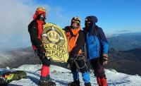 Mahasiswa RI Berhasil Menaklukan Gunung Es di China dengan Konsep Nirsampah