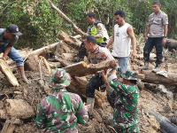 Cari Ayah dan Anak Tertimbun Longsor di Rohul Riau, Alat Berat Dikerahkan