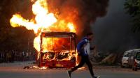 Protes Menentang RUU Kewarganegaraan India Berakhir dengan Bentrokan dan Pembakaran