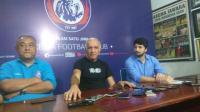 Mario Gomez Konfirmasi Arema FC Tengah Dekati Eze dan Bauman