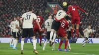 Van Dijk Bawa Liverpool Unggul 1-0 atas Man United di Babak Pertama