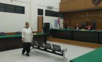 Divonis 2,5 Tahun Penjara, Eks Dirut RSU Tangsel Acungkan Jempol