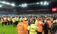 Aston Villa vs Leicester, Suporter Serbu Lapangan dan Potensi Terkena Hukuman FA