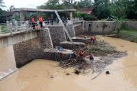Kisah Sungai Garuda Sragen yang Menjadi Sarang Ular Piton
