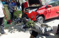 Minibus Tabrak 3 Motor dan 1 Mobil di Sulsel, Diduga karena Sopir Mengantuk