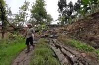 Longsor, Jalan Penghubung Desa di Kendal Terputus