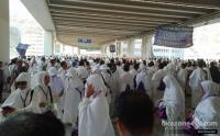 124 Jamaah Umrah Asal Lamongan Tertunda Berangkat ke Arab Saudi