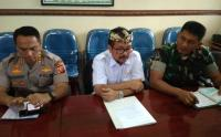 Ikut <i>Rapid Test</i> Covid-19, Bupati Cirebon: <i>Alhamdulillah</i> Hasilnya Negatif