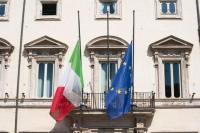 Italia Kibarkan Bendera Setengah Tiang Kenang Korban Meninggal Virus Corona