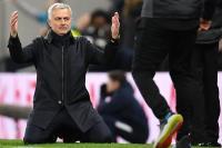 Mourinho Mengaku Bersalah Langgar Aturan Social Distancing