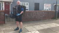 Bagikan Makanan kepada Siswa Kurang Mampu, Guru di Inggris Berjalan 8 Km Tiap Hari