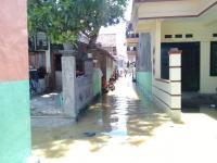 Kali Kemuning Meluap, Sampang Terendam Banjir Kiriman