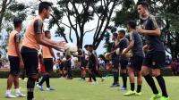 Charis Yulianto Optimistis Latihan Pemain Arema FC Berjalan Lancar
