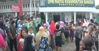 Mengira Ada Pembagian Sembako, Ratusan Warga Medan Serbu Kantor PKB Sumut