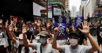 Demonstran Hong Kong  Gunakan Masker saat Beraksi Tolak UU Keamanan
