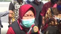 Wali Kota Surabaya Risma Marah Besar akibat Mobil PCR Covid-19 Digeser