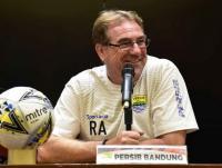 Alasan Pelatih Persib Pilih Liga 1 2020 Dilanjutkan ketimbang Diubah Jadi Turnamen