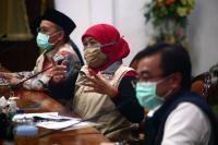 Tembus 2.633 Pasien Covid-19, Khofifah: Surabaya Jadi Zona Merah Tua