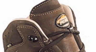 Berikut Deretan Sepatu Mahal untuk Pendaki