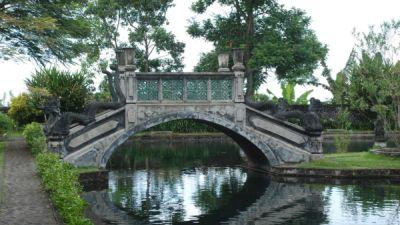 Taman Air Sakral Kehidupan Umat Hindu