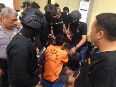 Mencoba Kabur, Satu Eksekutor Pembakaran Rumah di Makassar Ditembak Polisi