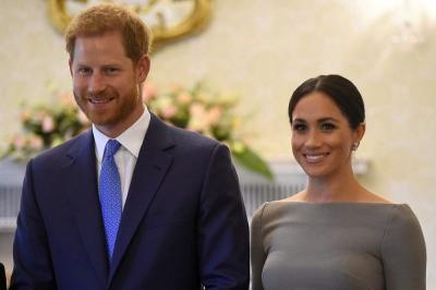 Usai Umumkan Kehamilannya, Meghan Markle Keliling Australia Memakai Perhiasan Putri Diana