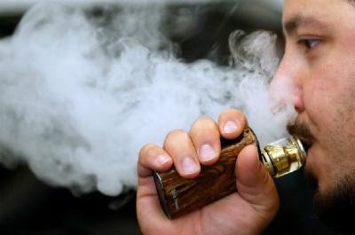 Bisa Sebabkan Radang Paru, Vape Ternyata Tak Lebih Baik dari Rokok!