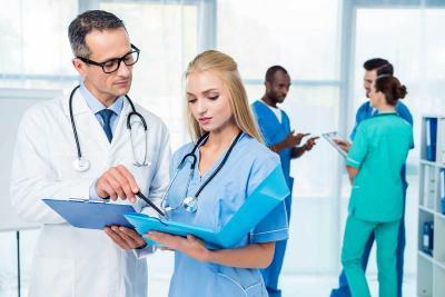 Benarkah Jadi Istri Dokter Itu Enak? Simak Dulu Faktanya Berikut Ini