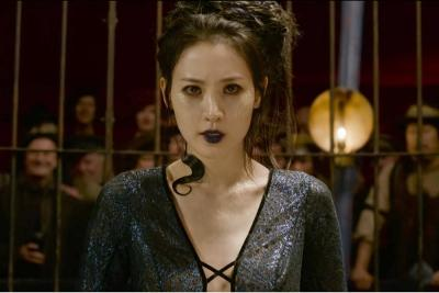 Dikritik Karena Jadi Nagini di Fantastic Beasts 2, Claudia Kim: Ini Hanya Cerita Awal