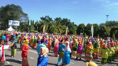 Luar Biasa, 2.470 Orang Menari Jepin Rayakan HUT ke-247 Kota Pontianak