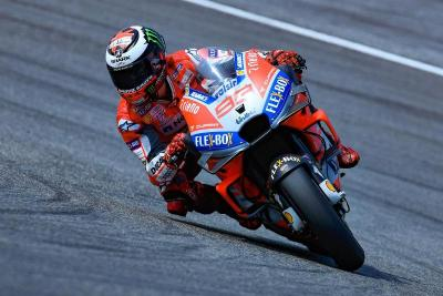 Belum Fit, Lorenzo Tetap Paksakan Balapan di MotoGP Valencia 2018