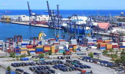 Pelabuhan Kuala Tanjung Ditargetkan Ekspor 600 Kontainer Minggu