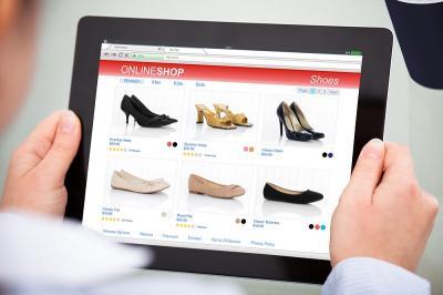 Agar Tak Salah Beli Sepatu di Toko Online? Coba Terapkan 8 Cara Ini