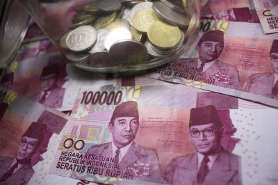 Rupiah Menguat Tipis 11 Poin ke Rp14.597 USD