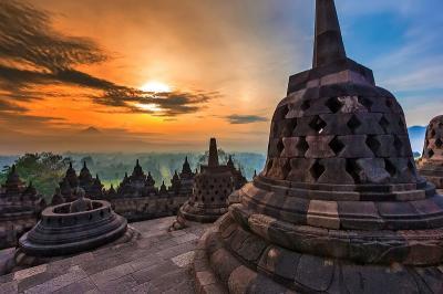 Ayushita Ungkap Terpikat Daya Magis Candi Borobudur