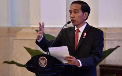 Presiden Jokowi Sindir SPJ Berbelit-belit hingga Investor Libur Bayar Pajak 20 Tahun