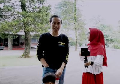 Outfit Keluarga Jokowi saat Nge-Vlog Bareng Ria Ricis, Gak Nyangka Keren Banget!
