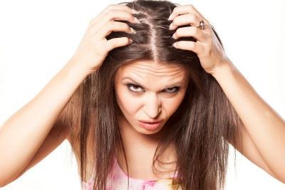 Rambut Rontok dan Kepala Mudah Berkeringat? Hati-Hati Tubuh Kekurangan Vitamin D