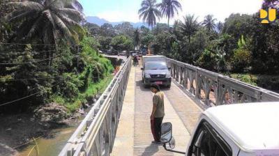 Jembatan Darurat Padang-Bukittinggi Sudah Bisa Dilalui Satu Jalur