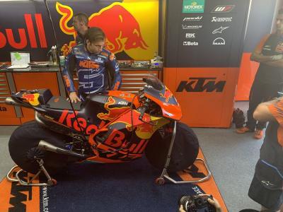 Kunjungi Pabrik KTM, Zarco Optimis Hadapi MotoGP 2019