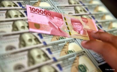 Dolar Naik, Rupiah Melemah ke Rp14.141 USD