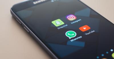 Pengguna Meningkat 30%, WhatsApp Geser Popularitas Facebook