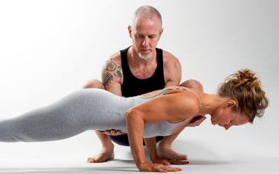 Yoga Atasi Nyeri Tulang Belakang, Ini Gerakan yang Tepat