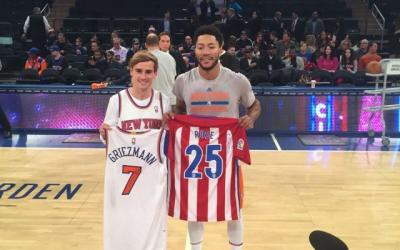 5 Pesepakbola Bintang yang Gila Basket, Nomor 2 Idolai LeBron James