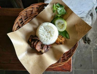 Blusukan ke Pasar Beringharjo demi Mencecap Lezatnya Sego Empal Bu Warno