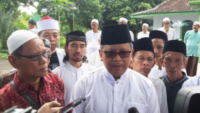 Timses dan Relawan Jokowi Nobar Debat Capres di Parkir Timur Senayan