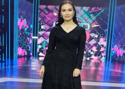 Iis Dahlia Larang Devano Berpacaran dengan Brisia Jodie?