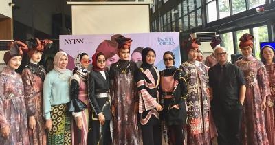 Unjuk Gigi di New York Fashion Week 2019, Ini Tantangan yang Dihadapi Dian Pelangi